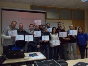 Bona part dels alumnes amb els seus diplomes de finalització del curs!